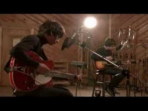 The Last Shadow Puppets - Meeting Place (acoustic)