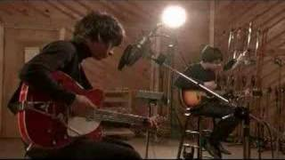 Клип The Last Shadow Puppets - Meeting Place (acoustic)