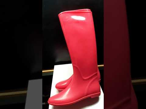 flat pink gelly wellington boots for winter 2020 2021