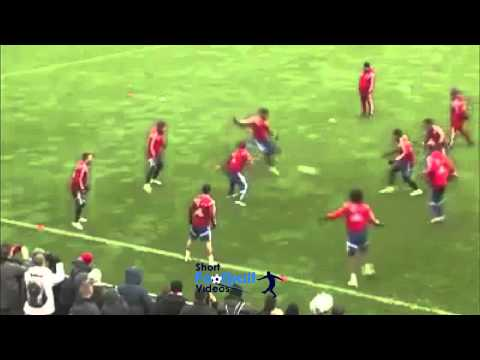 Bayern one touch football in training speed up. Incredible!