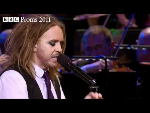 BBC PROMS 2011 from the Royal Albert Hall, London. Maverick Australian comedian Tim Minchin brings his own inimitable style of musical fun to the Royal Alber...