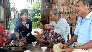 Ông bà ngoại vẫn còn răng ăn vịt nướng chao  | Thôn Nữ Miền Tây