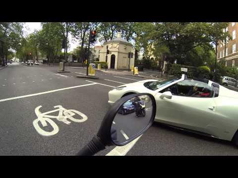 Arabes,ostentacao em Londres - Ferrari Branca | MOTO filmadores UK