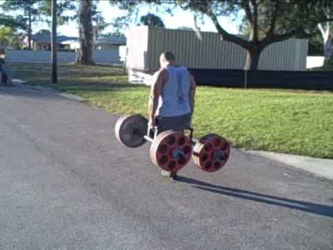 Strongman Competitor Elliott Hulse Workout Footage Image 1