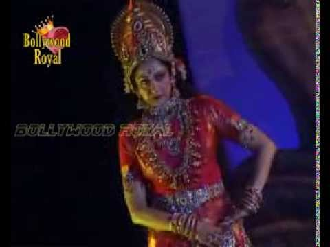 Hema Malini performs the Mahalaxmi ballet at Kali Pooja 4