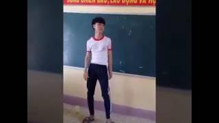 | Phía sau một cô gái | Hot boy lớp 12 hát hay như ca sĩ.