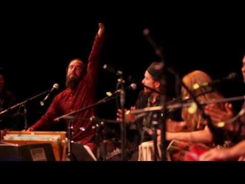 Piya Ghar Aaya By Fanna-fi-allah Qawwali video