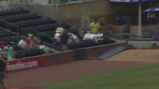 Durham Bulls outfielder Boog Powell makes catch of the year