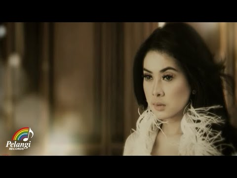 Download Lagu Syahrini - Sesuatu (Official Music Video) MP3 Free