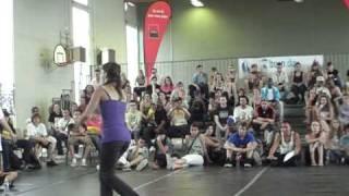 Bgirl EMILKA Polska VS girl MELUSINE Francja 2010