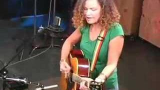 Watch Alana Davis Under The Rainbow video