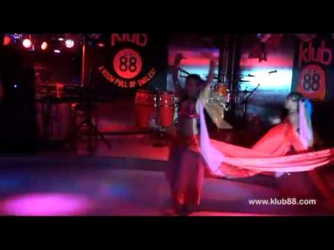 Bollywood: Pyar Ke Geet