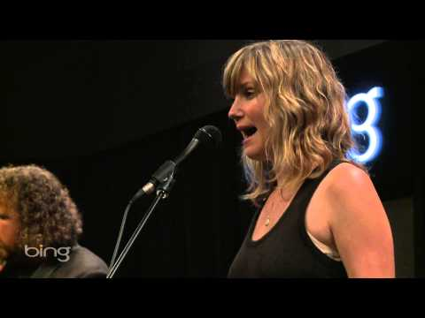 Jennifer Nettles - Jealousy (Bing Lounge)