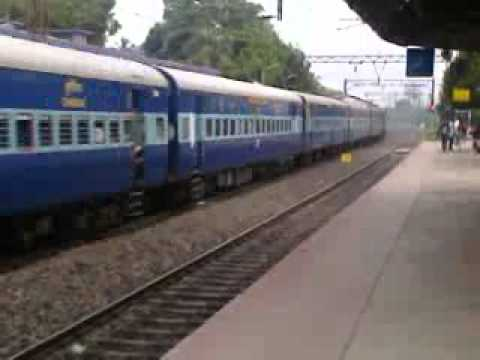 Rajdhani Express Running In India video