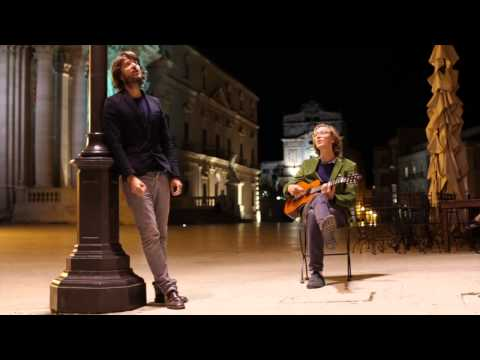 Kings of Convenience - Una Ragazza in Due (I Giganti cover) live @ Piazza Duomo (Siracusa,Italy)