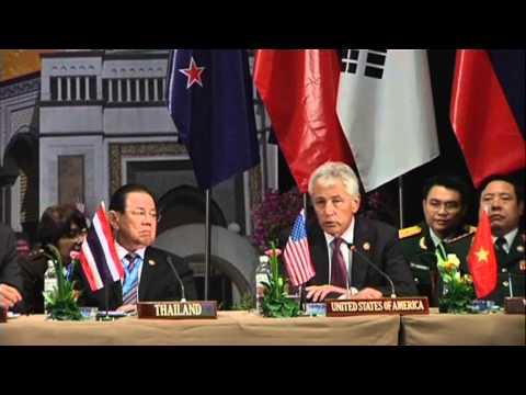 VN-SECRETARY OF DEFENSE CHUCK HAGEL WILL VISIT VIETNAM IN 2014