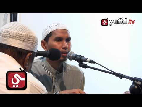 Hukum Berobat Dengan Darah Dan Sumsum Ular Kobra - Ustadz Dr. Erwandi Tarmizi
