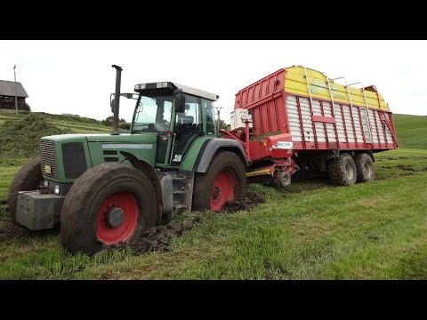 FENDT FAVORIT 822 in the mud ! (2x Zetor, 2x New Holland,Manitou)