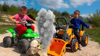 Funny Kids Ride on Cars / The Quad Bike Stuck / Childrens Power Whells Toy / Kidscoco Club Fun