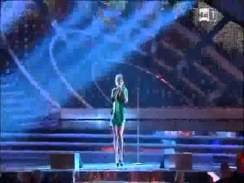 """Emma Marrone """"Non è L'inferno"""" (Sanremo 2012)"""
