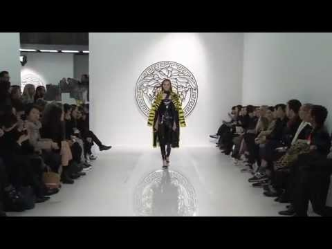 Versace Women Fall Winter 2013-14 Fashion Show