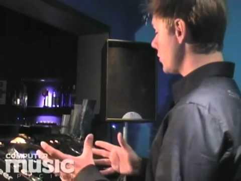 Как стать диджеем? Урок 1 от Armin Van Buuren