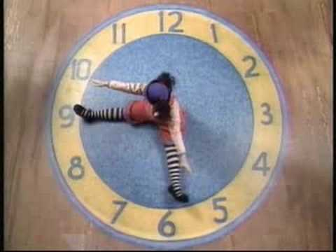 The Big Comfy Couch Clock Rug Stretch 2 Youtube