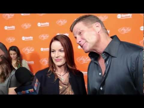 Laura Leighton & Doug Savant Interview - NEW Love Interest on PLL