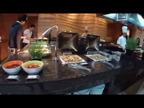 Marina Bay Sands hotel Singapore - breakfast/ranajky