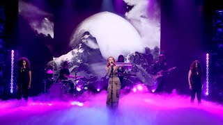 Zara Larsson Performs 'Invisible'