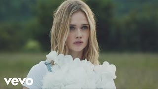 Клип Florrie - Little White Lies