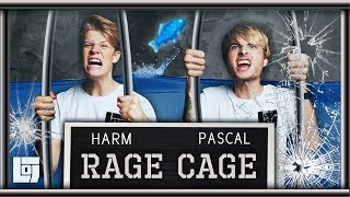 FISH OUT OF WATER in RAGE CAGE met Harm en Pascal | LOG