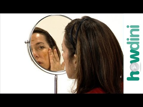 Sunless tanners: How to apply sunless tanning lotions to your face