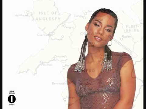 This is the beautiful parody featured on the Chris Moyles Breakfast Show on Monday 17th May 2010. It is Alicia Keys' Empire State of Mind with a North Walian...