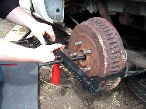 NAPA Service Tools Brake Drum / Rotor. Brake Drum & Rotor Puller