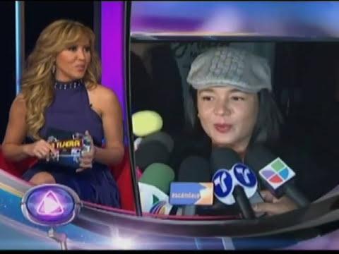 Yolanda Andrade y el muñeco inflable