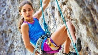 දකිද්දීත් කකුල් වෙව්ලනවා නේ /...........11-Year-Old Girl Shatters Climbing Records