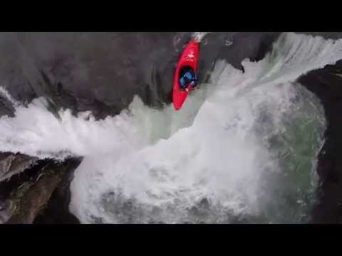 Kayakers Run 60ft Waterfall in Mexico