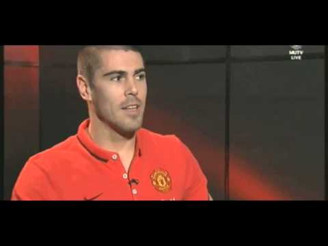 Victor Valdés Signs for Manchester United FIRST INTERVIEW MUTV