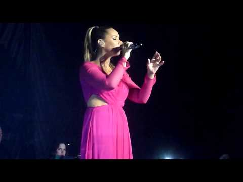 Leona  Lewis - Glassheart Tour - Locked Out Of Heaven (Bruno Mars Cover) | Hamburg CCH