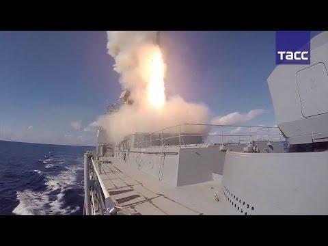 """Видео ударов ракет """"Калибр"""" и """"Оникс"""" по объектам террористов в Сирии"""