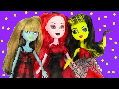Ghoulish Girlz Goth Doll Unboxing Toy Review Monster High Dress Up Fun Friends Cookieswirlc video