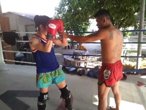 Elbows and Clinch Elbows with Wung - Lanna Muay Thai Image 1