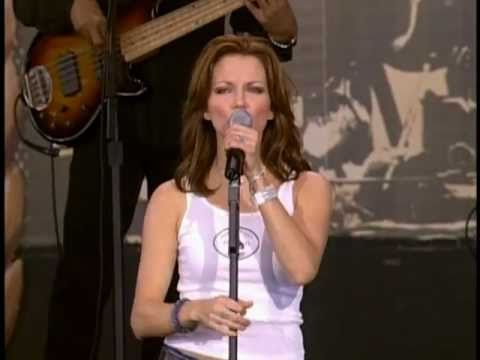 Martina McBride - Independence Day (Live at Farm Aid 2001)