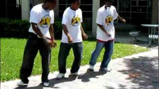 KK Men dancing .flv