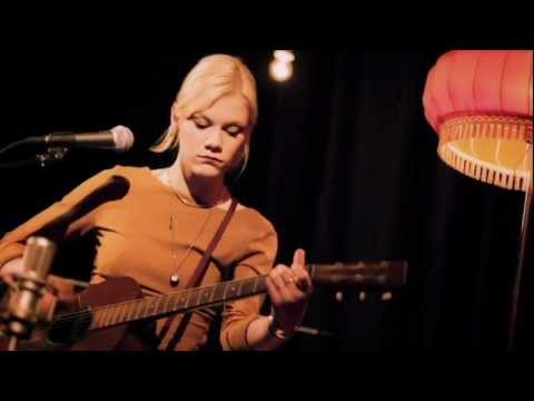 Trixie Whitley - Gradual Return - KLANGKANTINE Unplugged