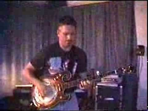 Kelly Emerson Playing His GoldTone EBM Electric Banjo.MPG