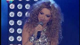 Hadise - A Song For My Mother (Show TV 2012 Yılbaşı Konseri)