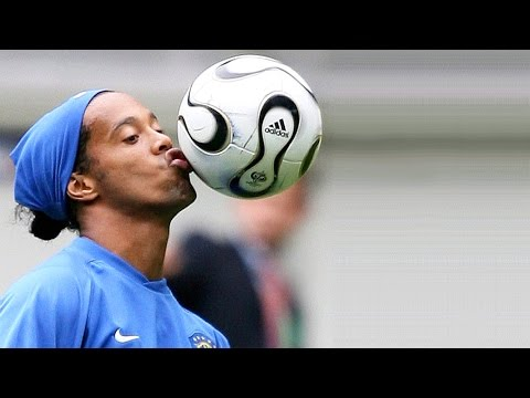 Ronaldinho ● Insane Freestyle Tricks
