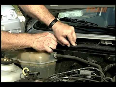 Ford Fiesta - Como trocar o filtro de cabine